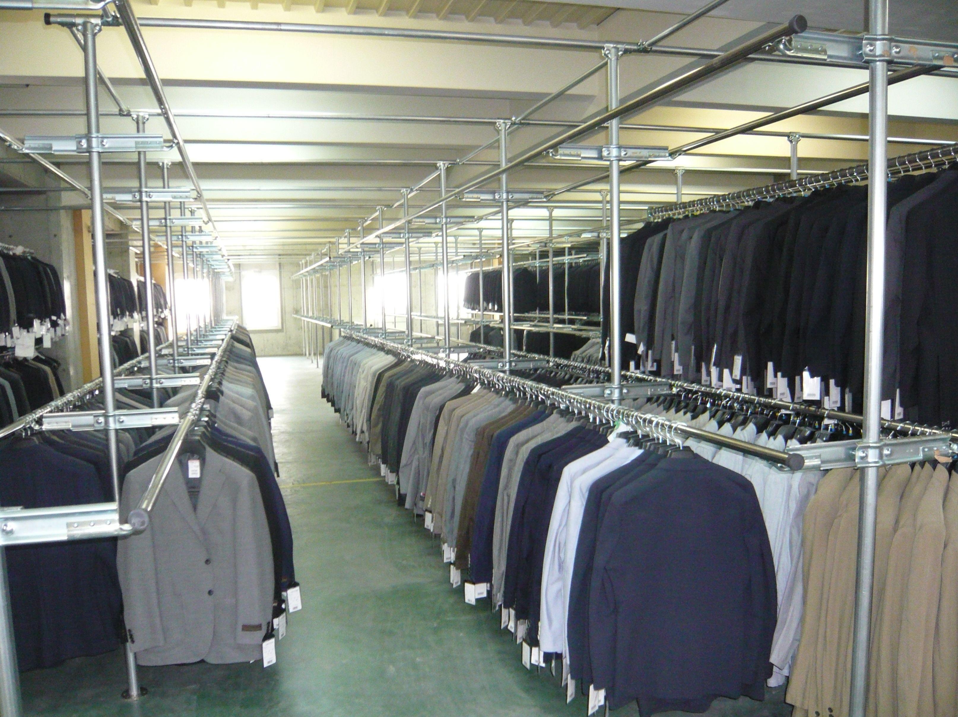 スーツ・コート用の固定ハンガーラック