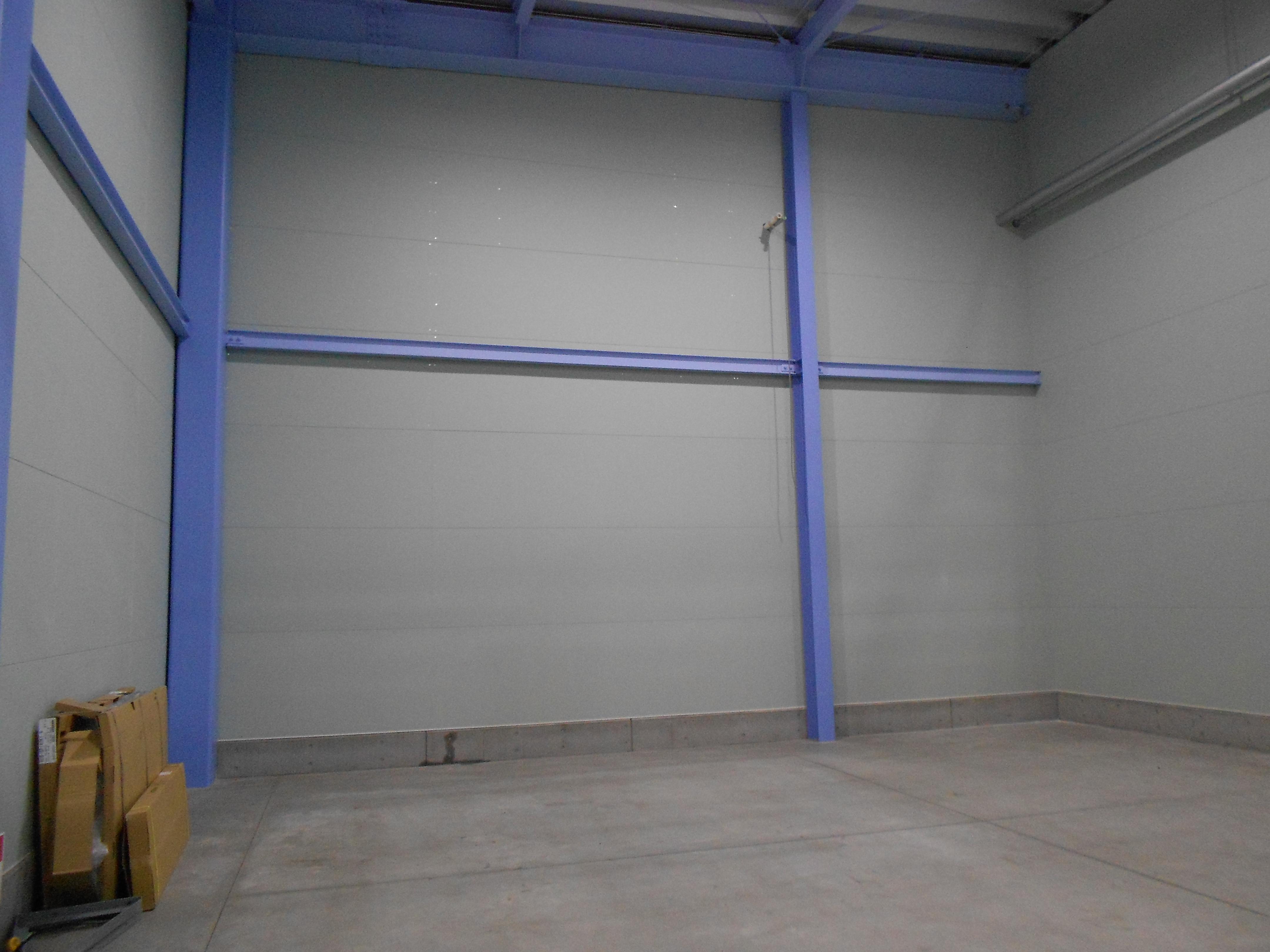 カーテン付パレットラック新設工事
